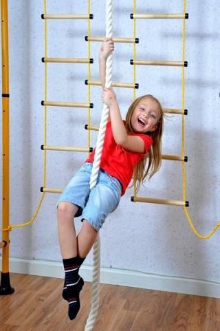 Физическое развитие с помощью шведской стенки